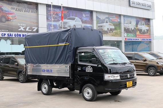 Mẫu Carry Pro 2021 thùng mui bạt màu đen
